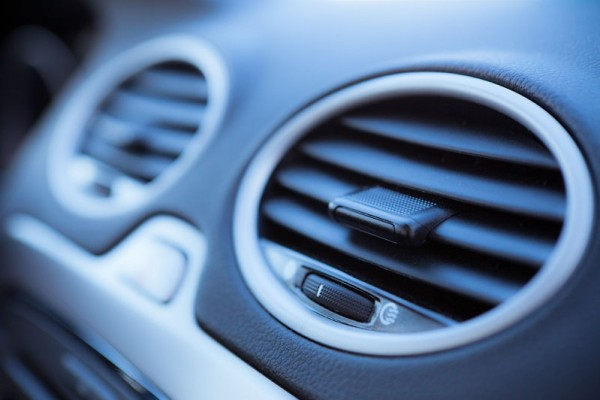 VEHICLE AIR CONDITIONING RE-GAS £49INCL. VAT